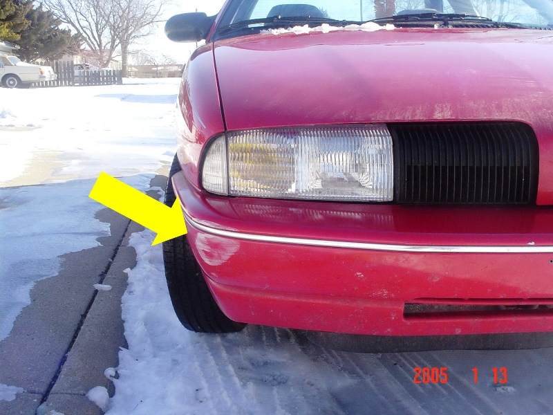 Minor front bumper damage to 1994 Oldsmobile Achieva